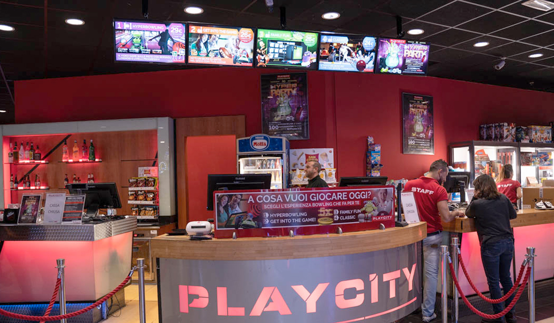 brand new fd100 0fcde QubicaAMF - Evento Hyperparty Bowling Playcity - Centro ...
